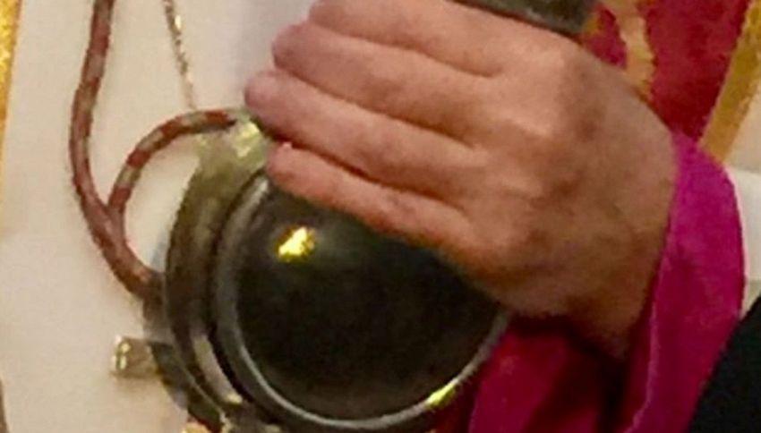 Si scioglie il sangue di San Gennaro: perché si ripete
