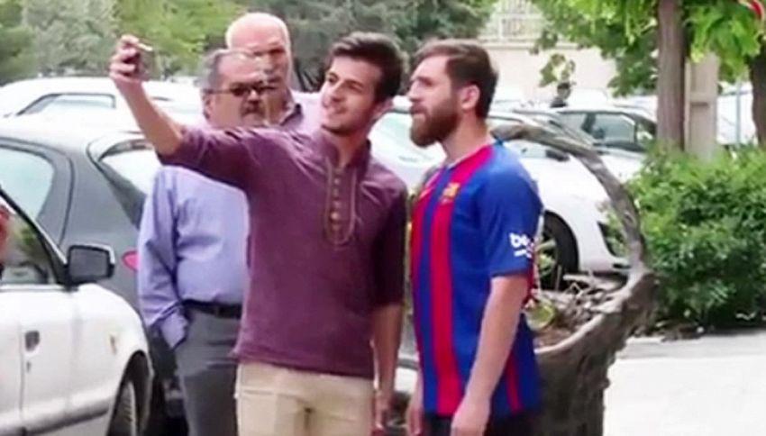 Messi e il sosia iraniano: impossibile capire qual è l'originale