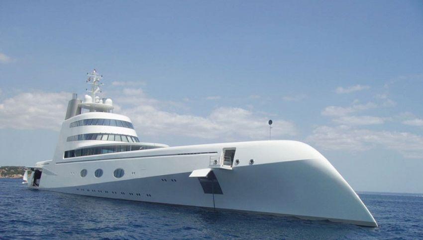 In Sardegna avvistato lo yacht a vela più grande del mondo