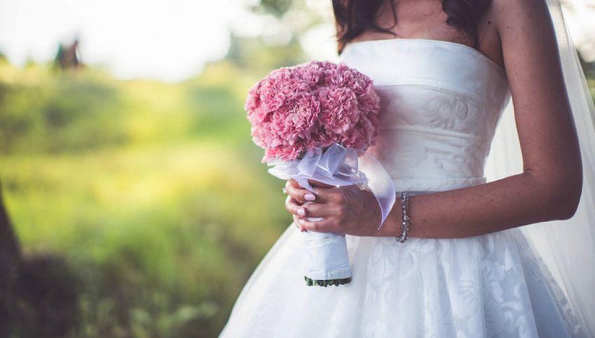 """Abbandona la sposa all'altare e si difende: """"Ero di turno"""""""
