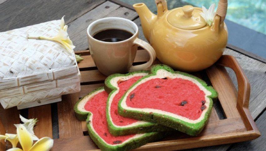 """Il """"Suika Pan"""" è il nuovo irresistibile pane a forma di cocomero"""