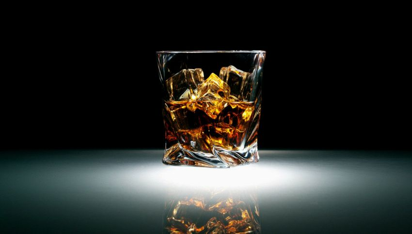 In Svizzera un turista ha pagato migliaia di euro per un whisky