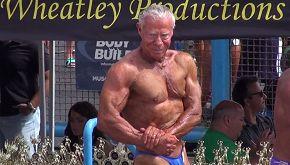 Jim, il bodybuilder tutto muscoli che solleva pesi a 85 anni