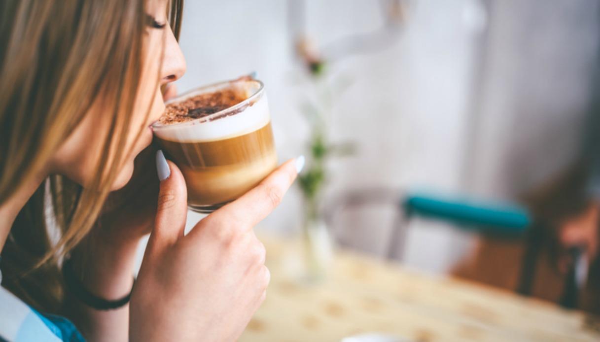 Bere un cappuccino ogni mattina allunga la vita #lodicelascienza