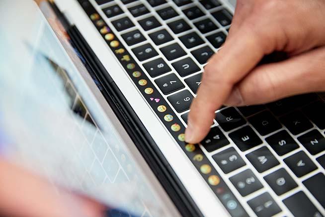 Touch Bar Apple MacBook Pro