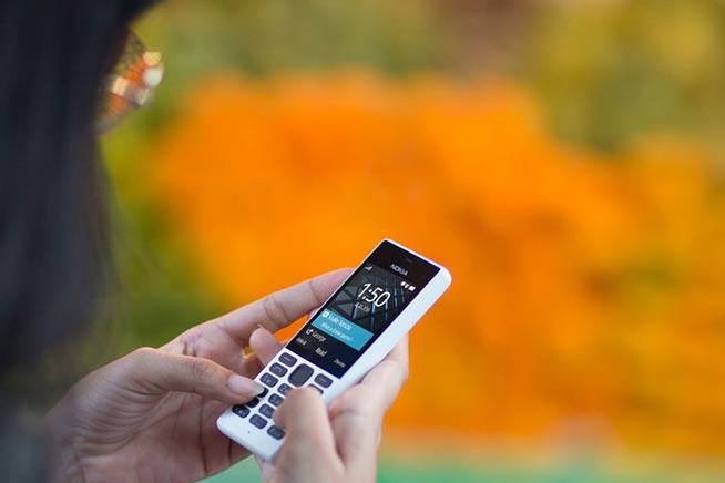Nokia e HMD Global hanno annunciato anche il lancio di un telefonino con tastiera e senza connessione a Internet. Clicca sull'immagine per saperne di più e vedere le foto