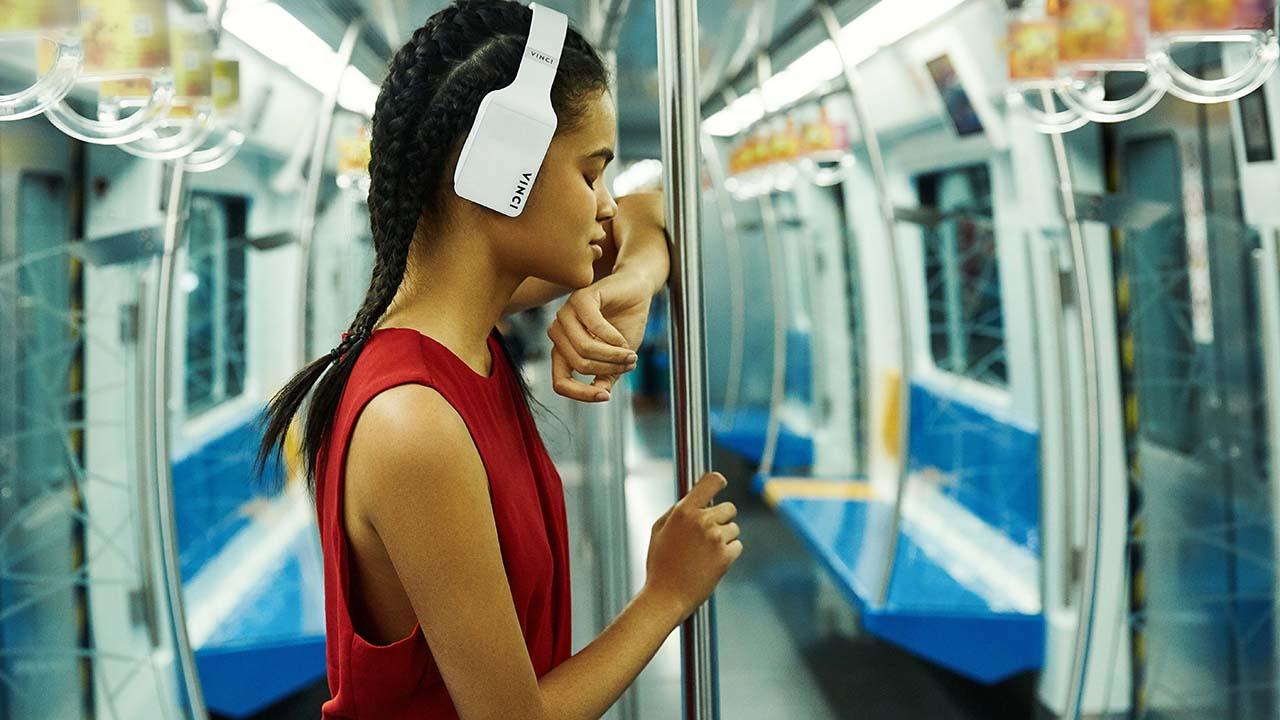 Vinci, le cuffie smart che si controllano con la voce. Foto e video