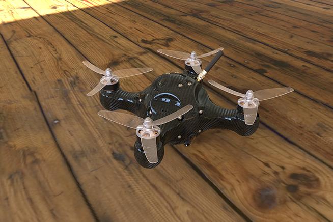 Premi sull'immagine per scoprire Nimbus, il drone da corsa che sfreccia a 200 chilometri orari