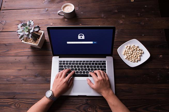 Premi sull'immagine per scoprire sette semplici mosse per salvaguardare la privacy online