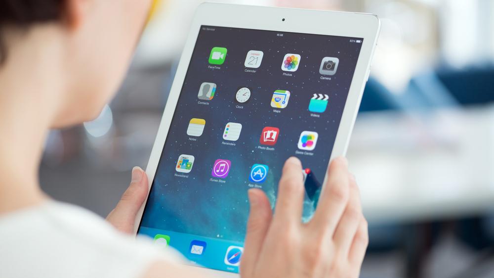 Apple presenta una nuova tastiera per l'iPad Pro. Ecco come sarà