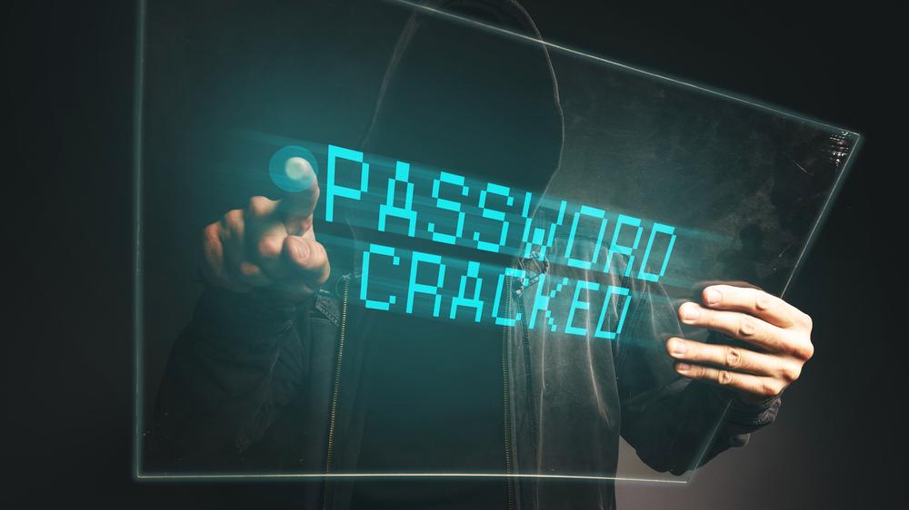 Attacco a Twitter, hacker turchi bucano Eni, FS, Italo e Parlamento UE