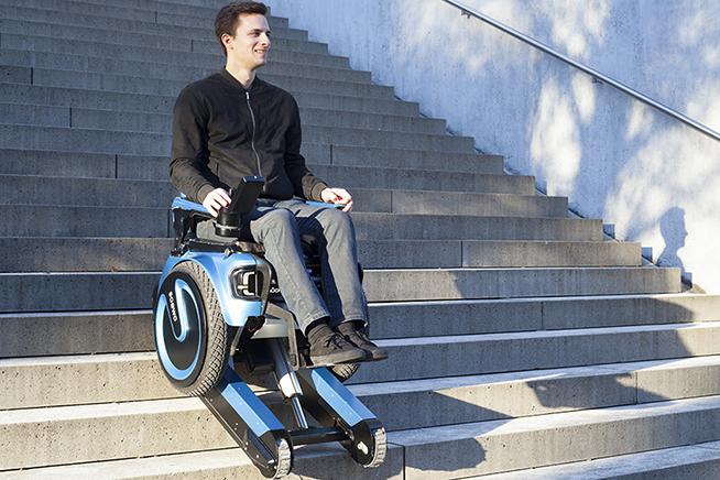 Scewo la sedia a rotelle che sale e scende le scale for Sedia motorizzata per scale