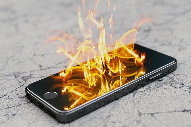 Premi sull'immagine per scoprire cosa fare quando lo smartphone prende fuoco
