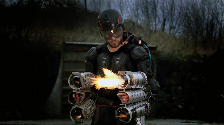 Tony Stark prende forma. Inventore inglese ricrea la tuta di Iron Man