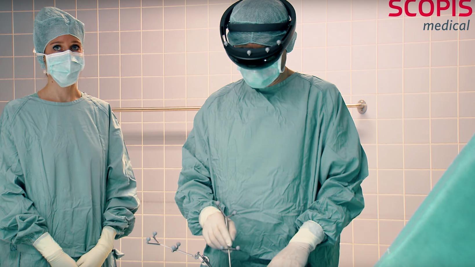Microsoft Hololens presto in camera operatoria nella chirurgia spinale