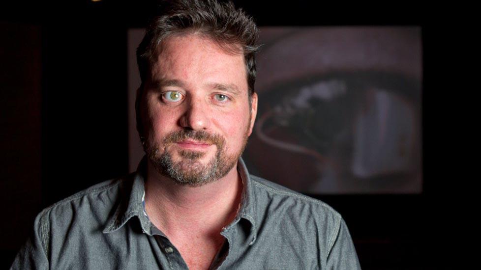 Rob Spence, l'uomo bionico con la telecamera al posto dell'occhio