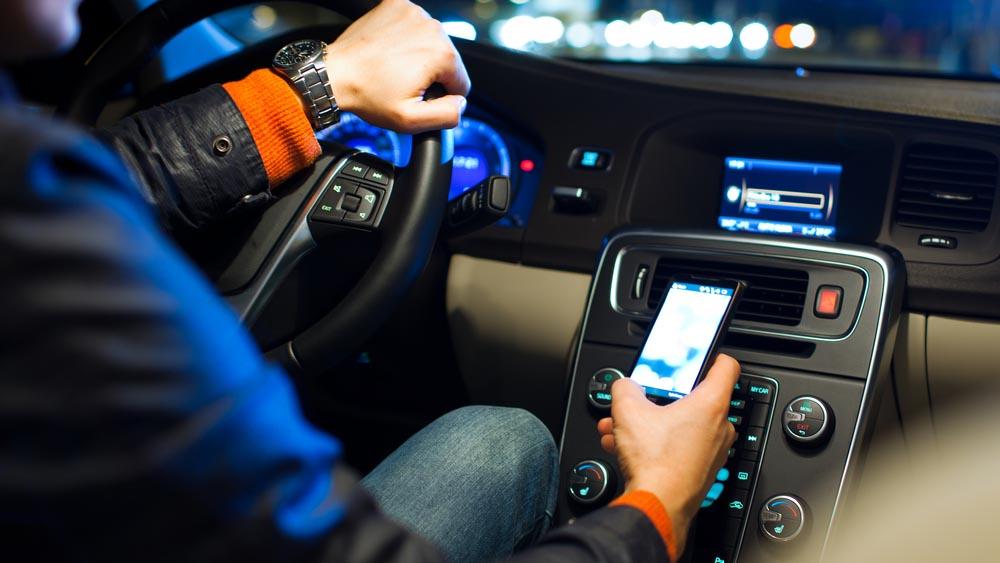 GeorgeApp, l'app che legge i messaggi mentre siete al volante