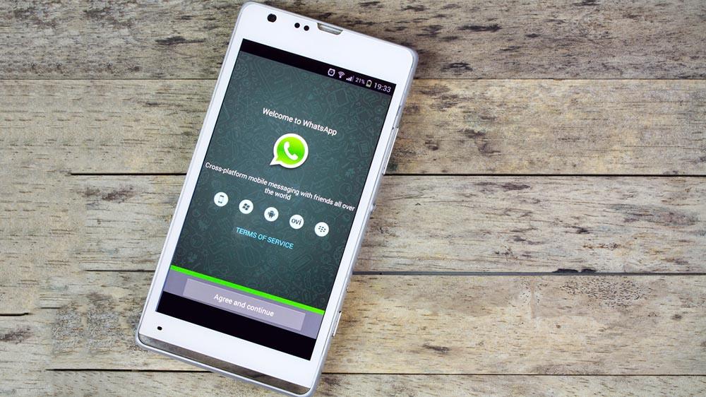 Aggiornamento WhatsApp, la Polizia lancia l'allarme