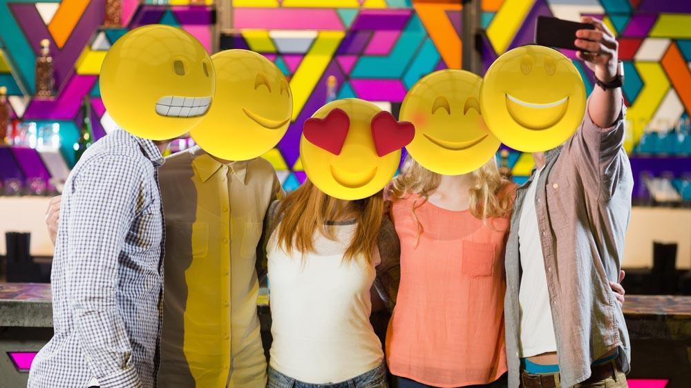 Come creare emoji e sticker con un tuo selfie