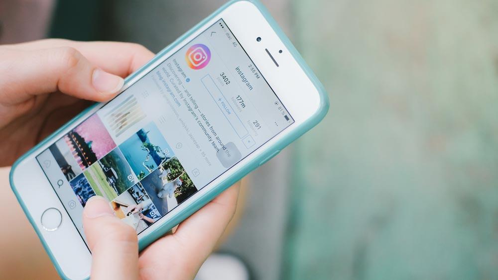 Truffa su Instagram, attenzioni ai falsi premi