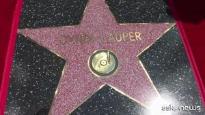 Cyndy Lauper conquista la stella sulla Walk of Fame di Hollywood