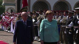 Merkel in Tunisia, primo viaggio da attentato a Berlino