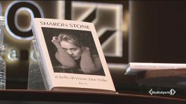 Ultimi video di Sharon Stone