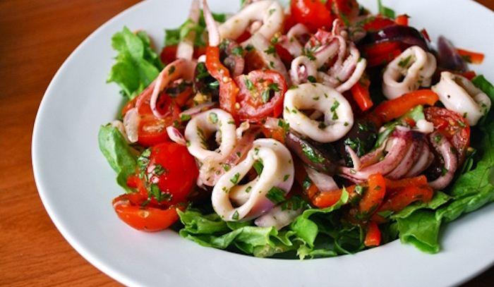 Calamari alle olive e pomodori