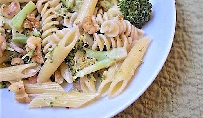 Maccheroni broccoli e noci