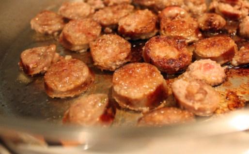 Polenta con sugo e salsicce