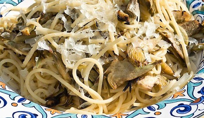 Spaghetti carciofi e provola