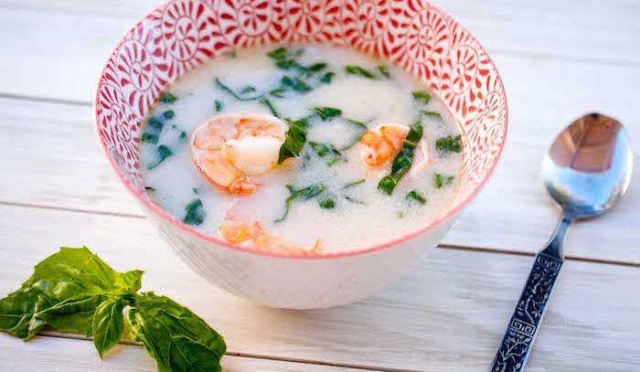 Zuppa di gamberi al cocco
