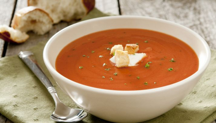 Zuppa di pomodoro e dragoncello
