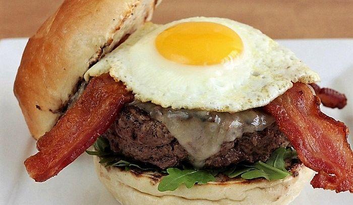 Hamburger con pancetta