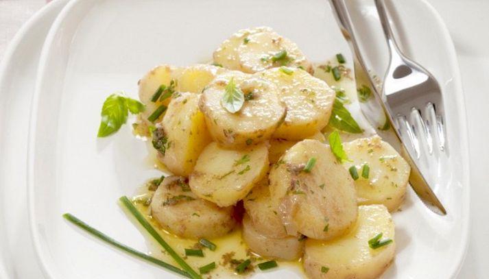 Insalata tiepida con patate fritte