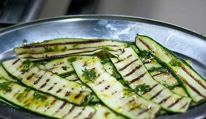 Zucchine grigliate alla menta