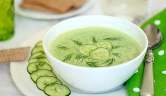 Zuppa di cetriolo fredda