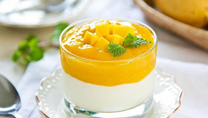 Semifreddo allo yogurt e mango