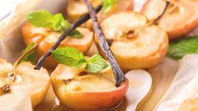 Le mele al forno sono un dessert leggero, ma molto goloso