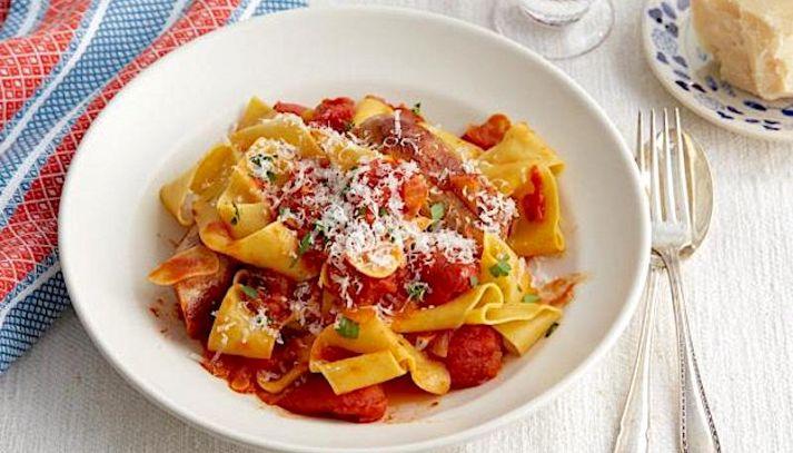 Pappardelle con pomodoro e aglio