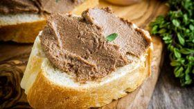 Il paté di fegato di maiale trasforma l'antipasto in festa