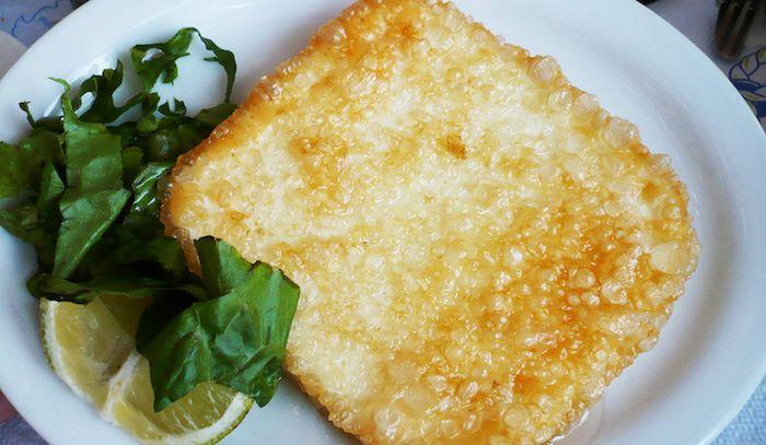Saganaki con formaggio e uova