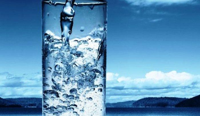 Bere poca acqua