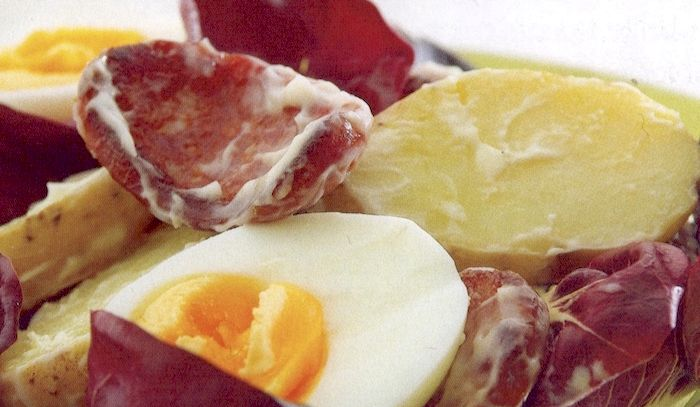 Insalata di patate e chorizo croccante