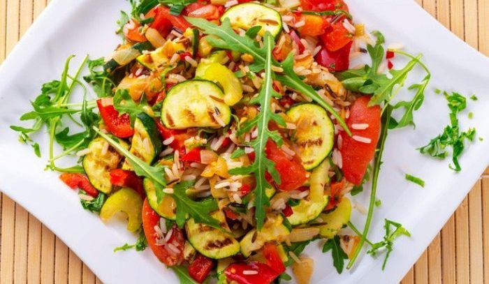 Insalata di riso basmati e verdure