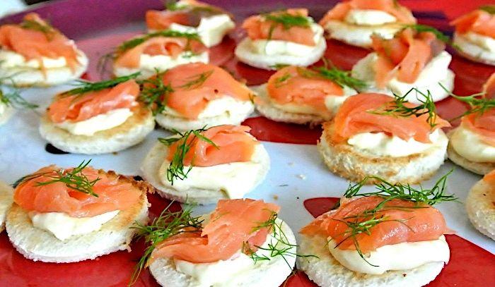 Tartine al salmone