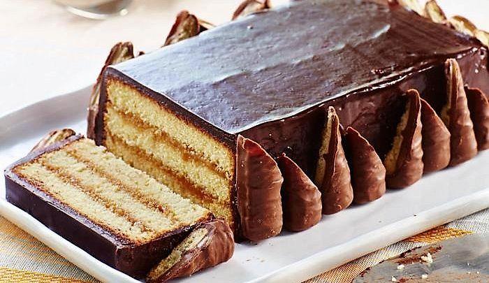 Una torta che sembra tanto uno snack famosissimo. Un'idea geniale