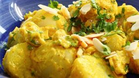 Insalata di patate al curry: facilissima e con un gusto sorprendente