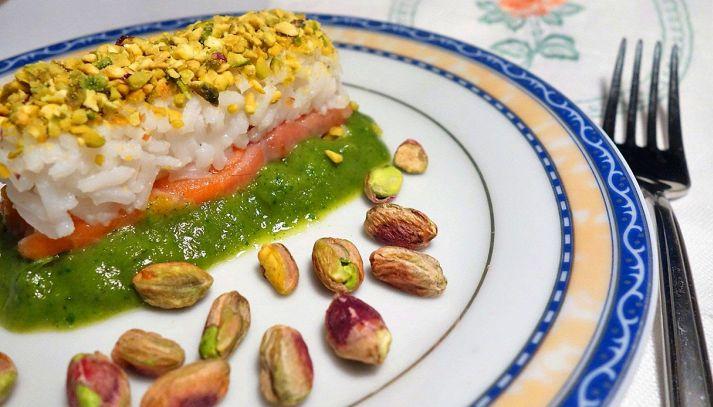 Salmone, Riso Gallo Aroma, pistacchi e purea di zucchine