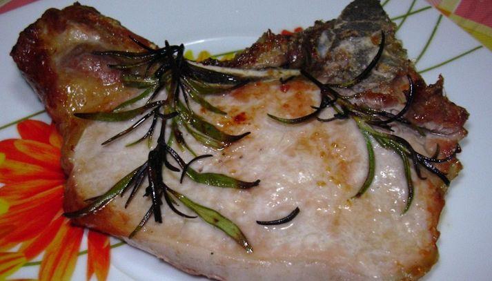 Braciole di maiale pomodori e finocchi